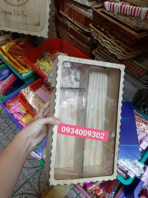 Hộp gỗ đựng rượu mặt kiếng giá rẻ