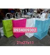 Túi giấy quai giấy có sẵn giá rẻ