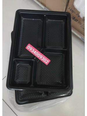 Hộp nhựa đế đen 4 ngăn giá rẻ
