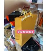 Túi giấy màu vàng giá rẻ