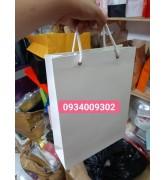 Túi giấy màu trắng giá rẻ