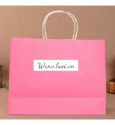 Túi giấy quai giấy màu hồng